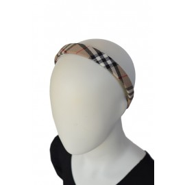hairband girl kilt2