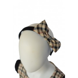 hairband girl kilt5